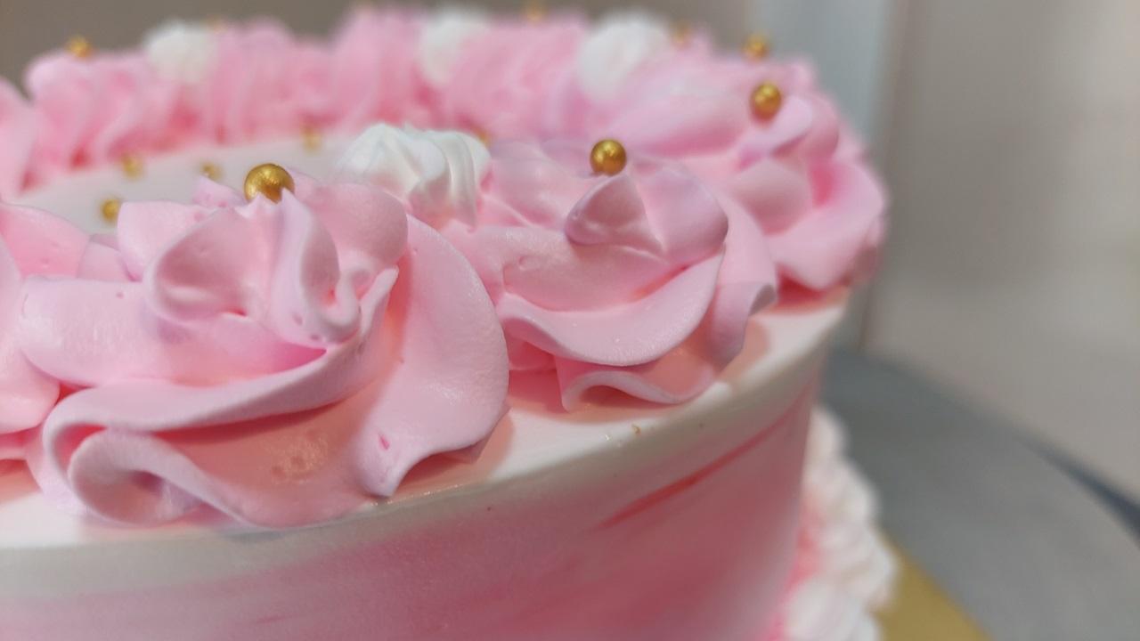 Read more about the article अगदी सोपा कुल्फी फालुदा केक