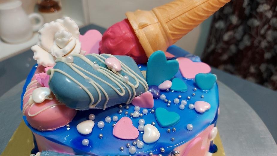 Read more about the article आईस्क्रिम फालुदा कॅन्डी डेकोरेशन थीम केक