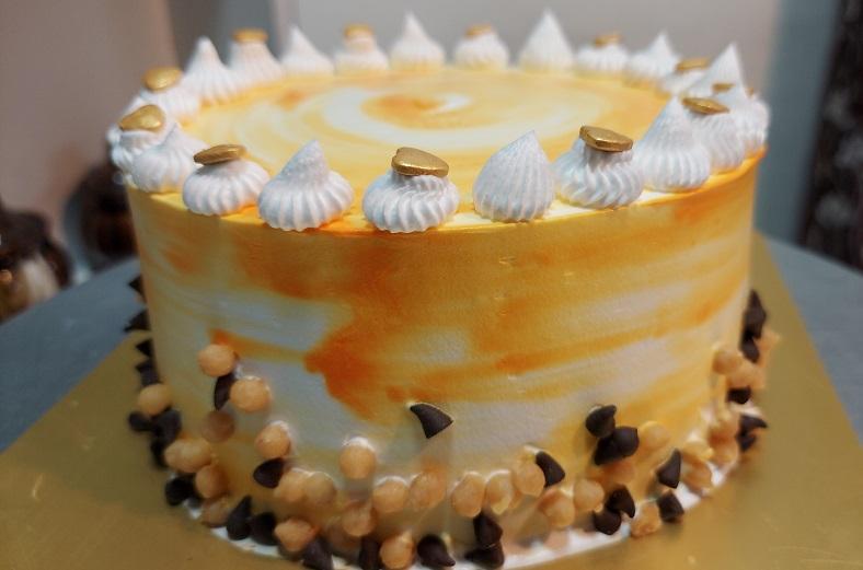 Read more about the article झटपट बनवा अगदी सोपा बटरस्कॉच केक !