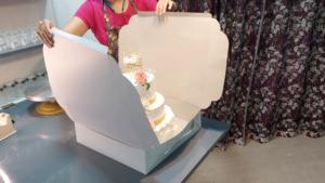 Read more about the article टॉल केक / डॉल केक / २-३ टायर केक्सचा बॉक्स कसा बनवणार